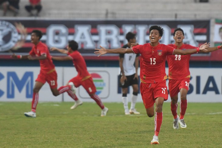Myanmar Tundukkan Thailand