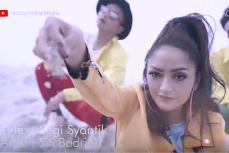 """Siti Badriah bahagia """"Lagi Syantik"""" nyaris tembus 300 juta penonton di YouTube"""