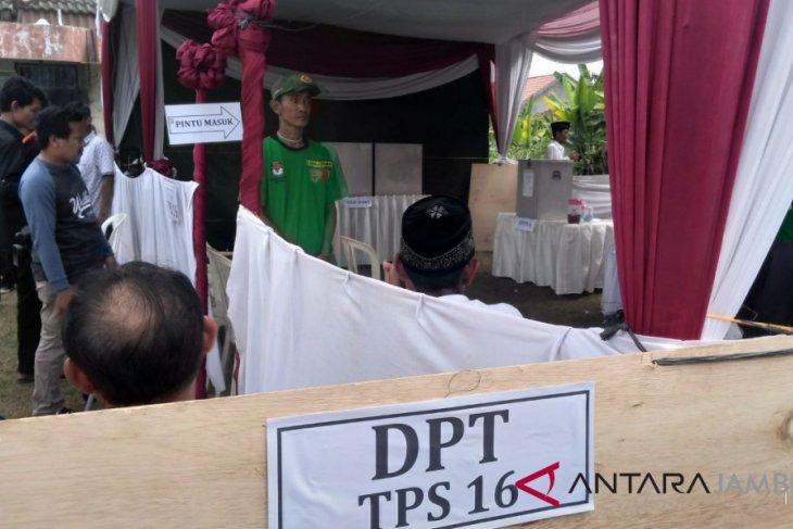 TPS Simpang III Sipin Jambi gelar coblos ulang