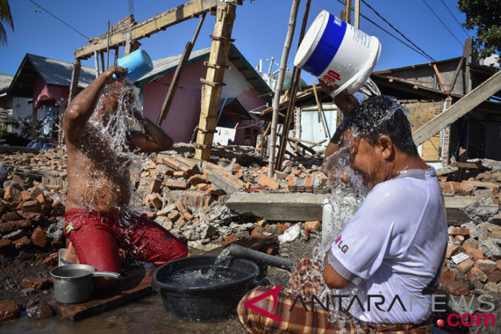 Korban Gempa Belum Tersentuh Bantuan