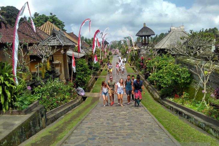 Desa Penglipuran Wisata Rumah Adat Berbasis Masyarakat (Video)