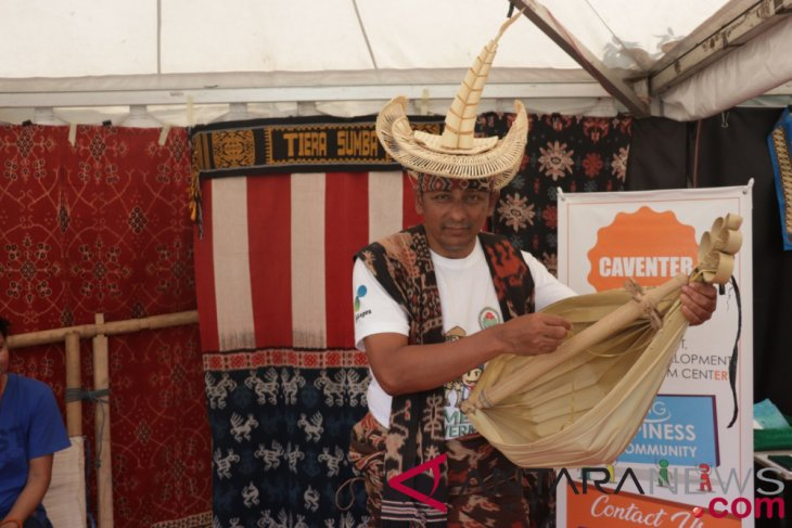 Tenun ikat Sumba Timur produk andalan Kemendes PDTT