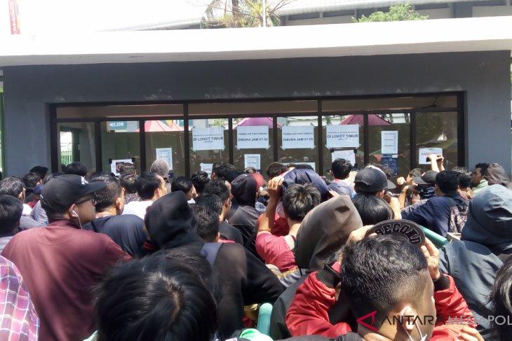 Supporter minta  penjualan tiket B diumumkan terbuka