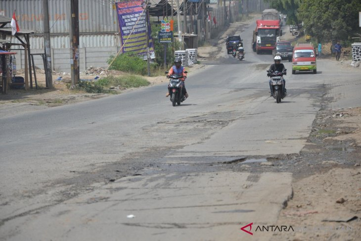 Dewan minta pembebasan lahan jalan Cikarang-Cibarusah dipercepat