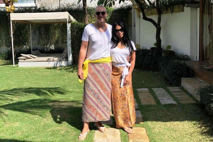 Anggun C Sasmi menikah di Ubud Bali