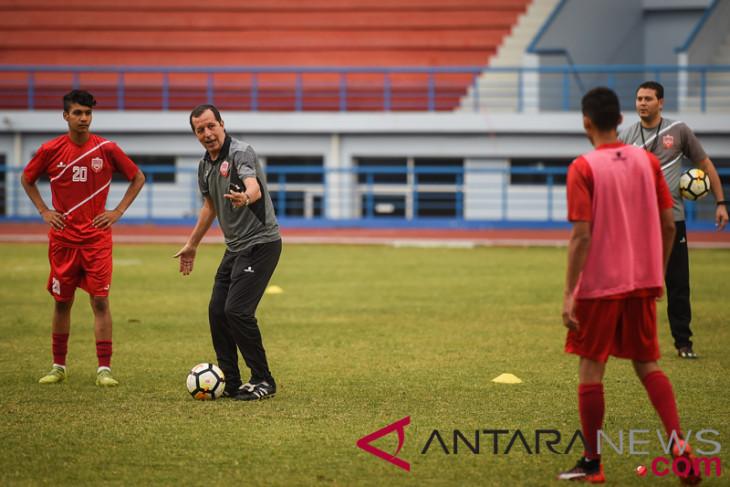 Latihan Sepakbola Tim Nasional Bahrain