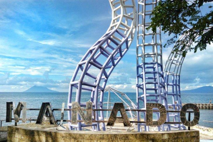 Pemkot Manado Tata Lokasi Wisata Pantai Malalayang Antara