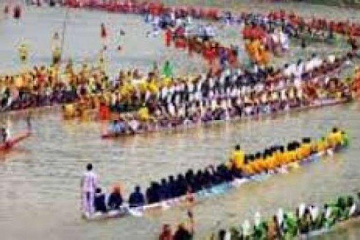 Pemkab Kuantan Singingi perkenalkan Festival Pacu Jalur di Bukittinggi