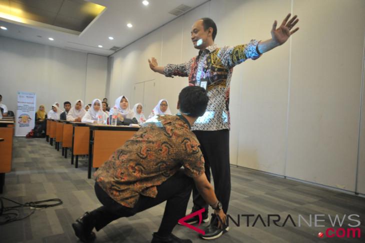 SMN asal Papua diajarkan komunikasi efektif