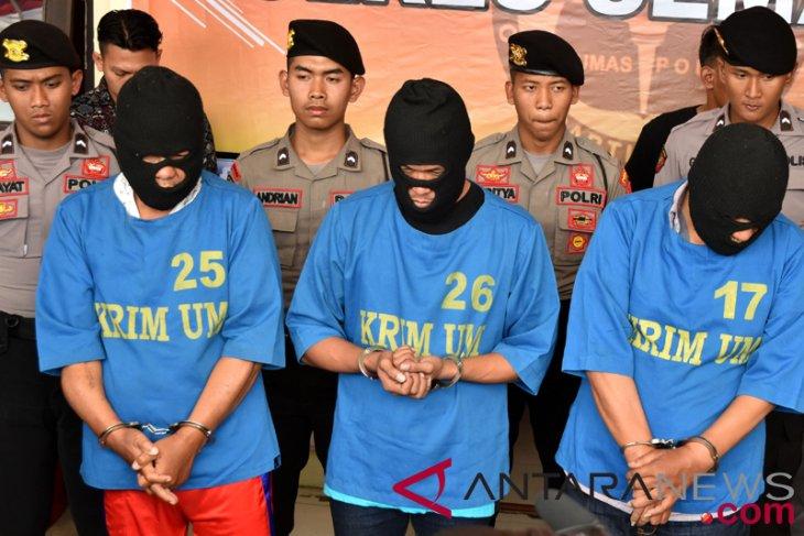 Police resort of Makassar captures 429 drug dealers and users