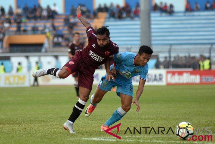 Ferdinand Sinaga selamatkan wajah PSM, tahan imbang Barito Putera 1-1