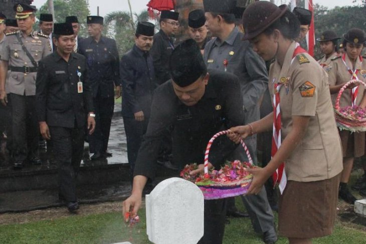 Sekda pimpin ziarah hari jadi Provinsi Bali
