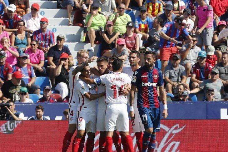 Ben Yedder trigol, Sevilla gulung Levante 6-2