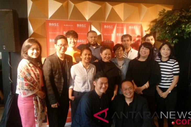 """Alasan Joko Anwar terima tawaran kolaborasi dengan produser """"Crazy Rich Asians"""""""