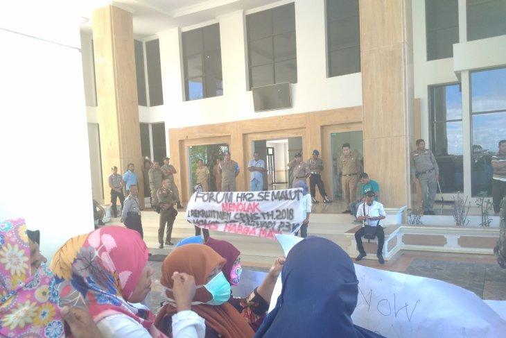 Pemprov Maluku Utara tegakkan sanksi disiplin PNS