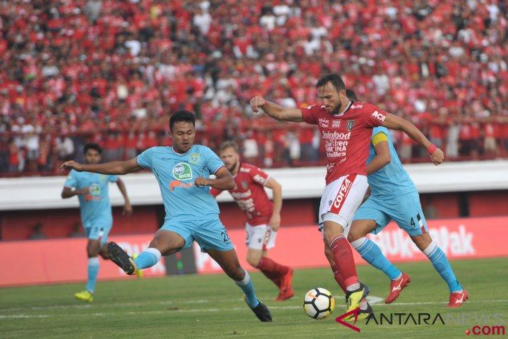 Bekuk Persela 3-2, Bali United tempel ketat Persib