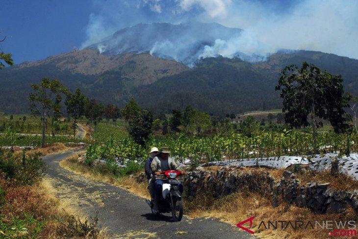 Antarafoto kebakaran gunung sumbing 110918 aez 1