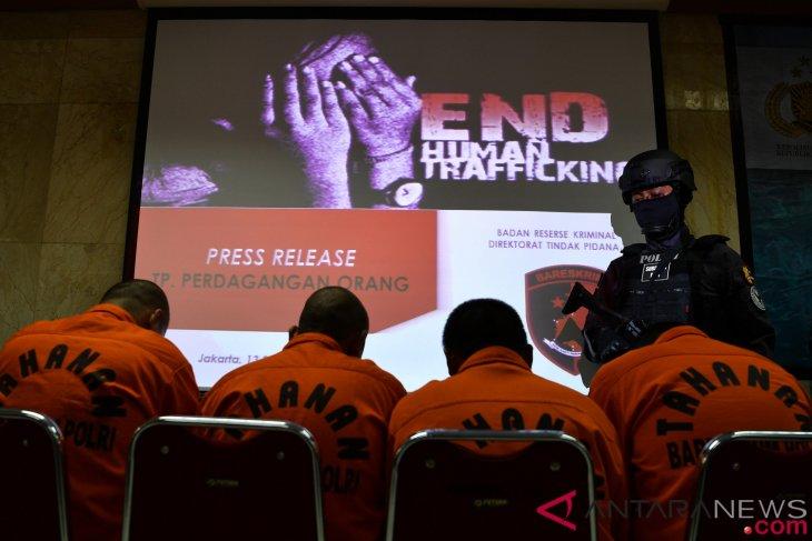 antarafoto rilis kasus perdagangan orang 130918 sgd 2 - Rilis Kasus Perdagangan Orang