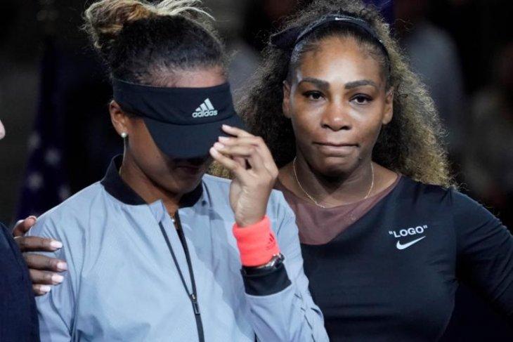 Kemenangan Naomi Osaka dan bayang-bayang Serena Williams