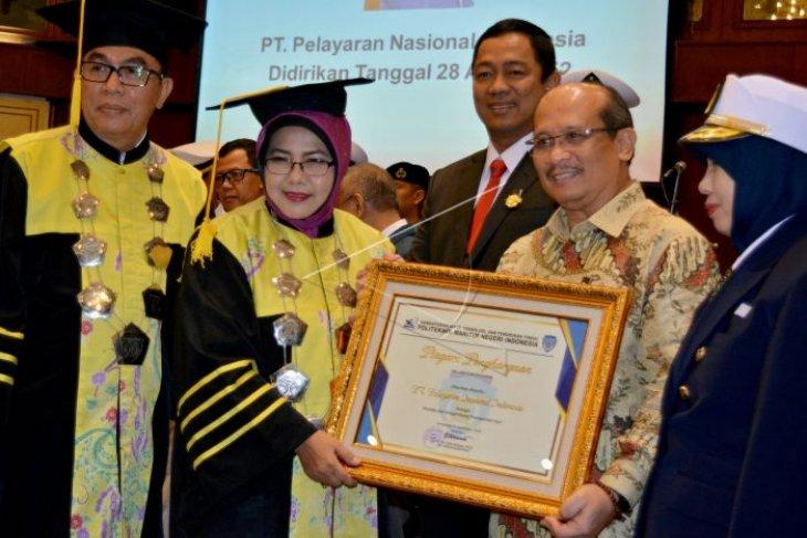 Penghargaan kemaritiman Polimarin