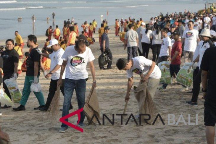 Masyarakat Indonesia gunakan 9,8 miliar kantong plastik per tahun