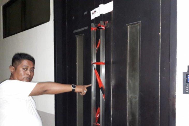 KPK lakukan penyegelan di Dinas PUPR Bekasi