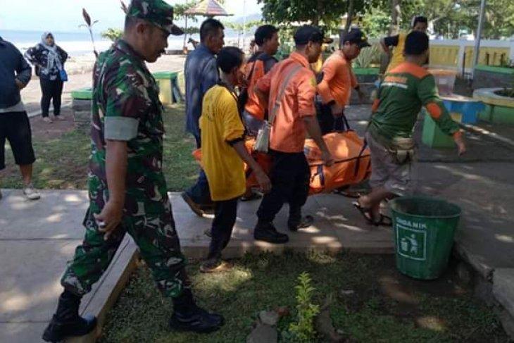 Jasad santri tenggelam di laut Sukabumi ditemukan