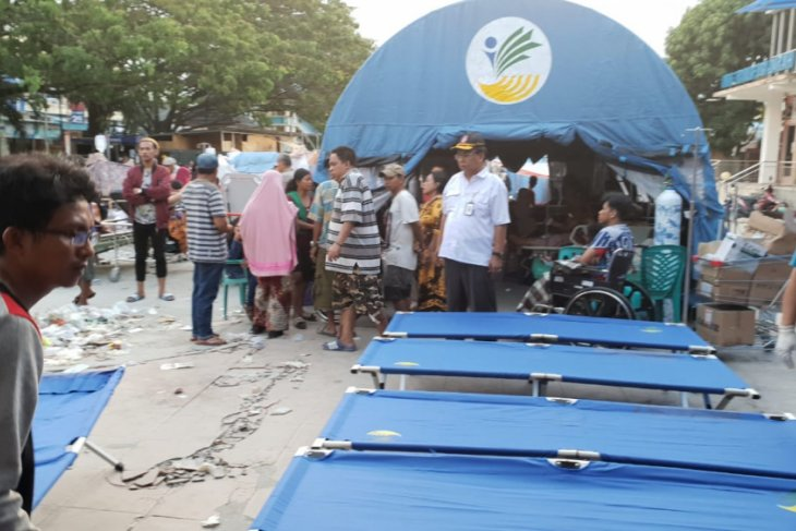 DLH Bogor melakukan penyegelan empat perusahaan