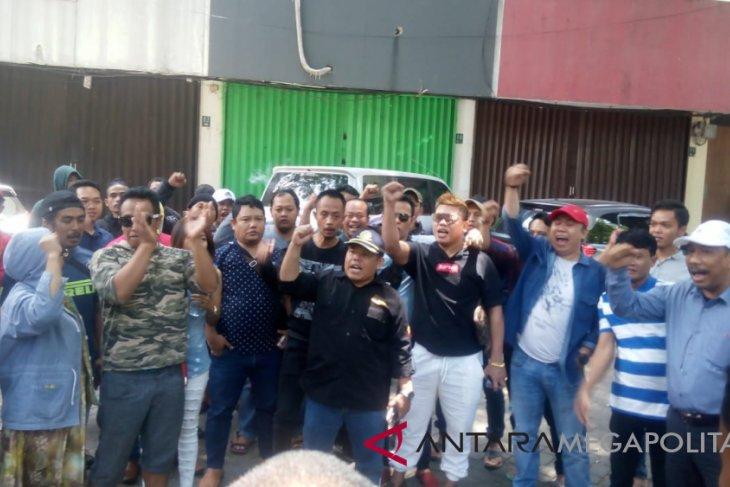 3.000 warga Bekasi terancam menganggur