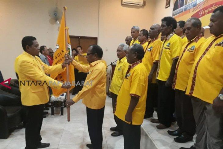 Bernadus Imburi resmi nahkodai Golkar Teluk Wondama