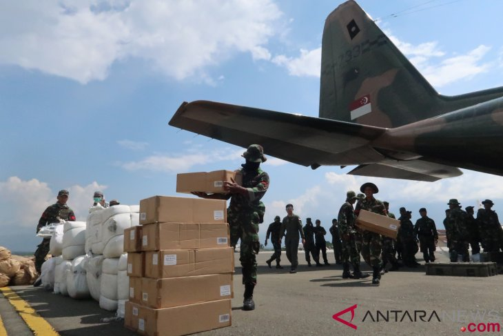 British Air Force  aircraft carry humanitarian aid for Central Sulawesi