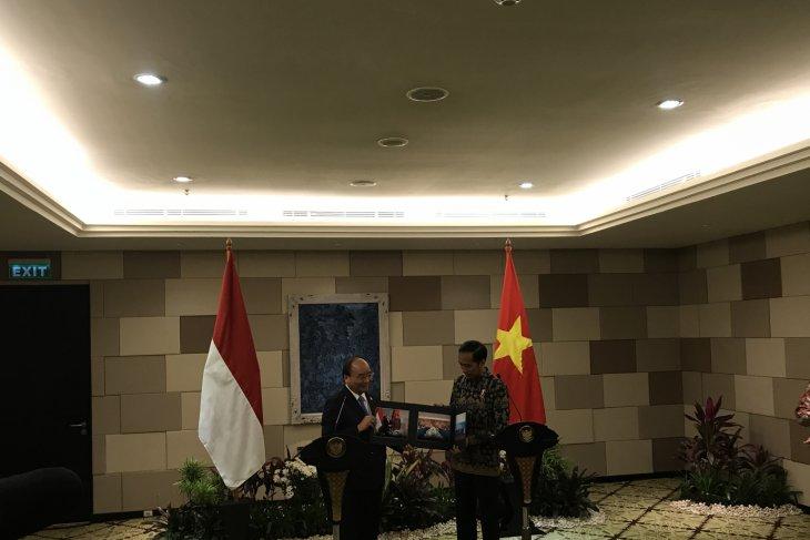 Presiden Jokowi-PM Vietnam sepakat atasi hambatan ekspor otomotif