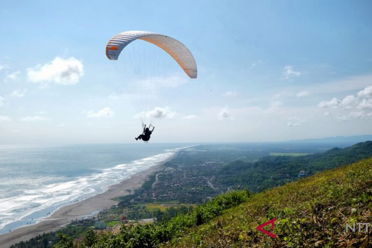 Mamake Mount to be paragliding tour place in S Kalimantan