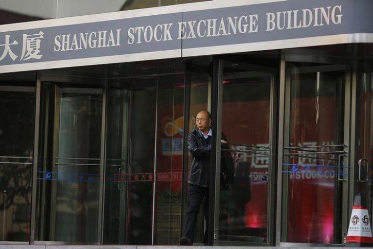 Bursa China ditutup jatuh 5,22 persen