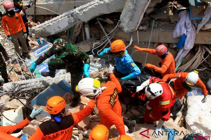 Evakuasi korban ditargetkan selesai 11 Oktober