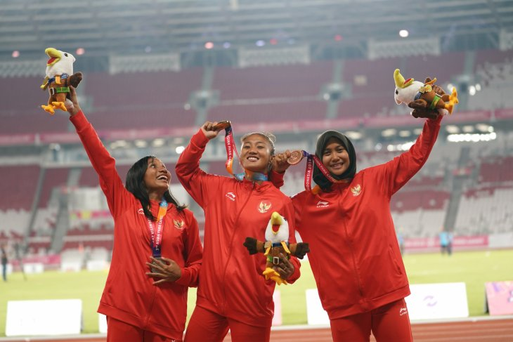 Asian Para Games - Indonesia wins all medals in women t13`s 100-m sprint