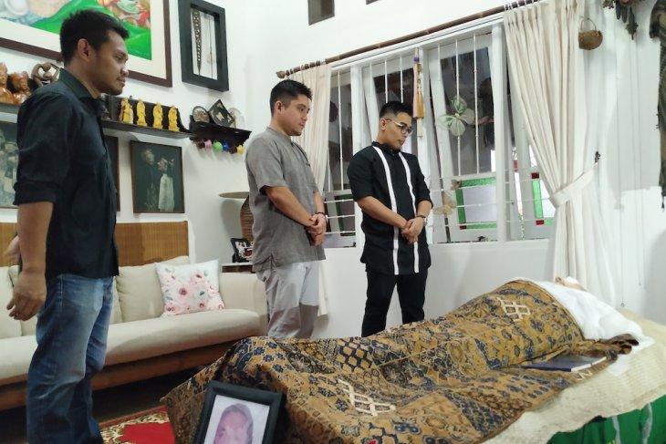 Anak Rudy Wowor menyesal telat bawa sang ayah berobat