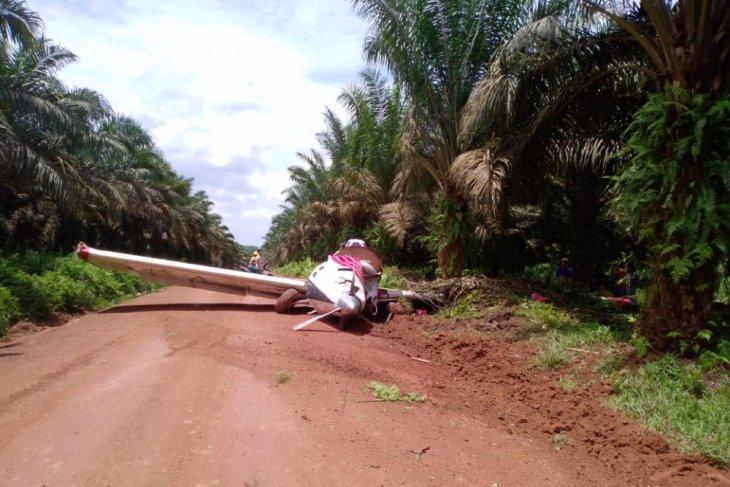 Pesawat penyiram pupuk kebun sawit Sinarmas kecelakaan di Ketapang