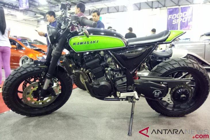 Kawasaki Ninja 250 bergaya Scrambler curi perhatian di IMX