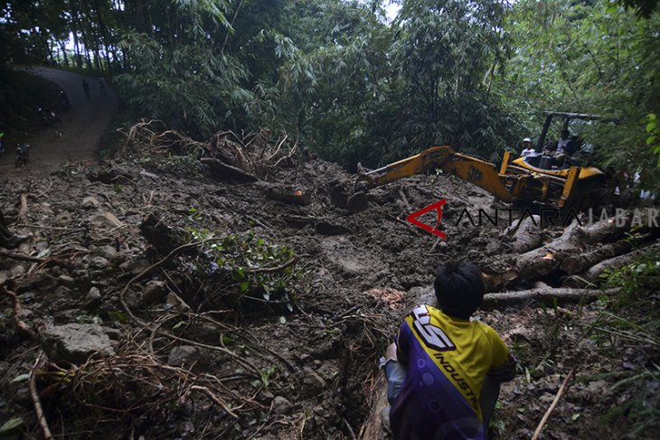 Kampung terisolir bencana