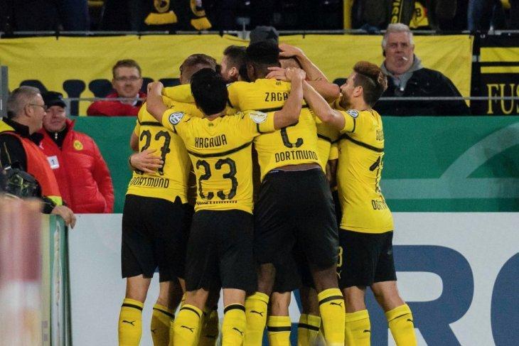 Penalti Reus bawa Dotmund ke putaran tiga Piala Jerman
