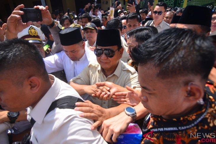 Prabowo hadiri Maulid Nabi di Pondok Pesantren Situbondo