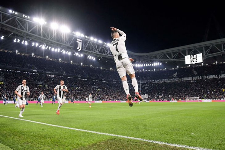 Sundulan Ronaldo bawa Juve menangi Piala Super Italia