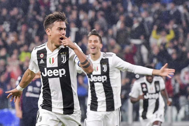 Tundukkan Cagliari, Juventus jaga jarak dengan para pesaingnya