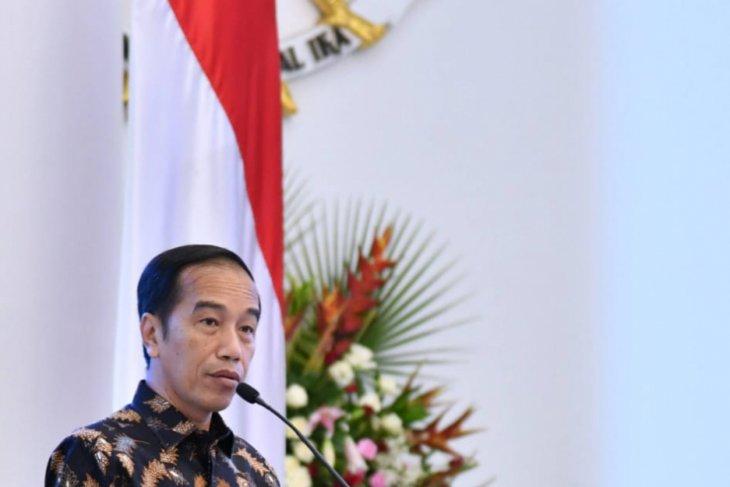 Jokowi returns home after attending  ASEAN Summit