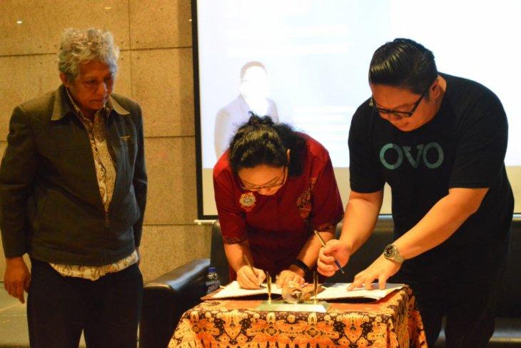 Fakultas Bisnis UKWMS-OVO Kerja Sama Majukan Pendidikan dan UMKM