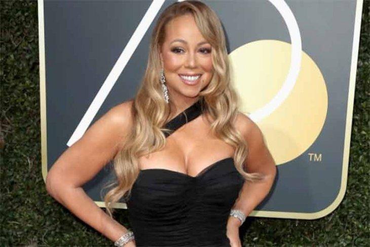 Tampil di Borobudur, Mariah Carey hipnotis ribuan penggemar