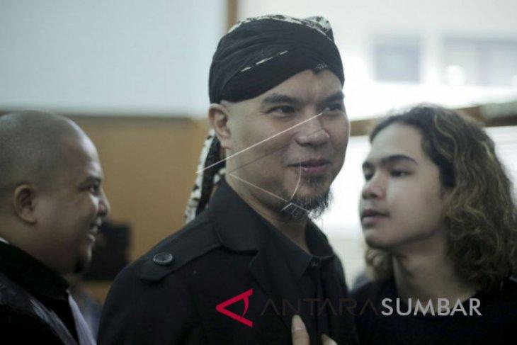 Usai bebas, Ahmad Dhani langsung  jalani pidana kedua hari ini