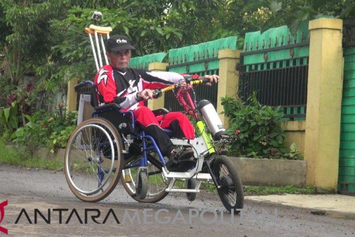 Kreatif, warga Sukabumi ciptakan motor penarik kursi roda