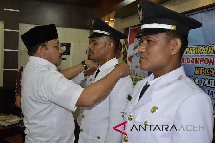 Geuchik gampong Simpang Lhee dan Teulaga tujuh dilantik